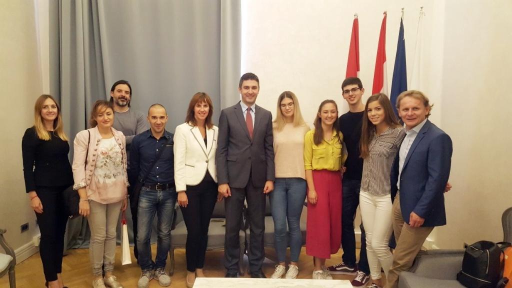 Gradonačelnik primio znanstvenika Ivana Đikića i gimnazijalce iz Vukovara